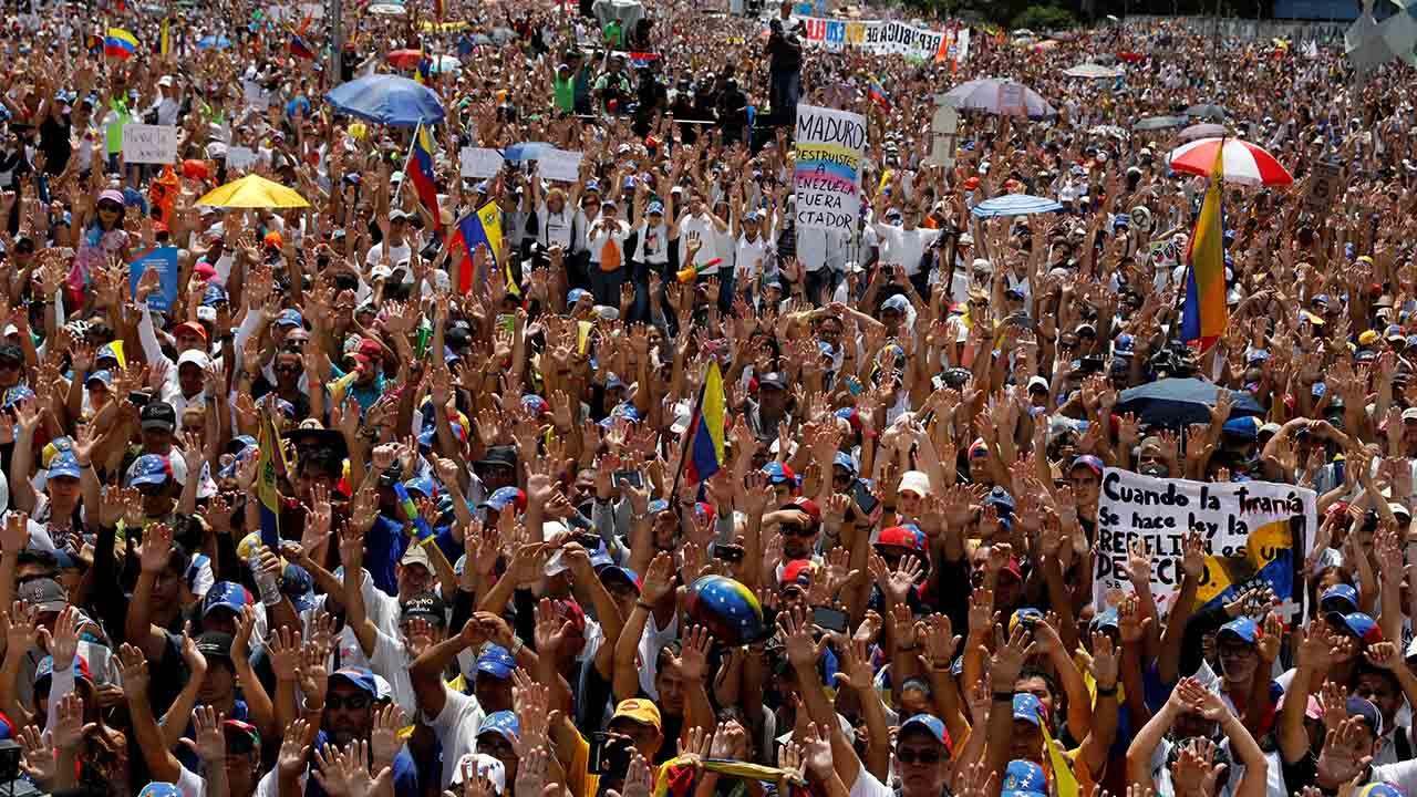 José Manuel Olivares informó que la salida de la movilización será el Parque del Este para llegar al Ministerio de Salud