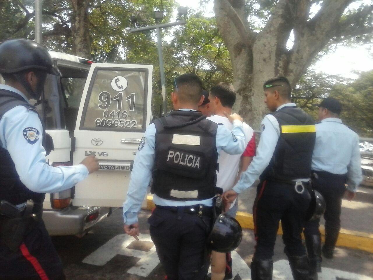Oviedo fue detenido este martes 16 de mayo en San Cristóbal, en virtud de una orden de aprehensión solicitada por el Ministerio Público