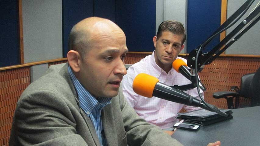 Durante su pronunciamiento, Padrino López, aseguró que los funcionarios militares no han utilizado armas contra la ciudadanía ni accionado sus fusiles, pistolas ni ametralladoras