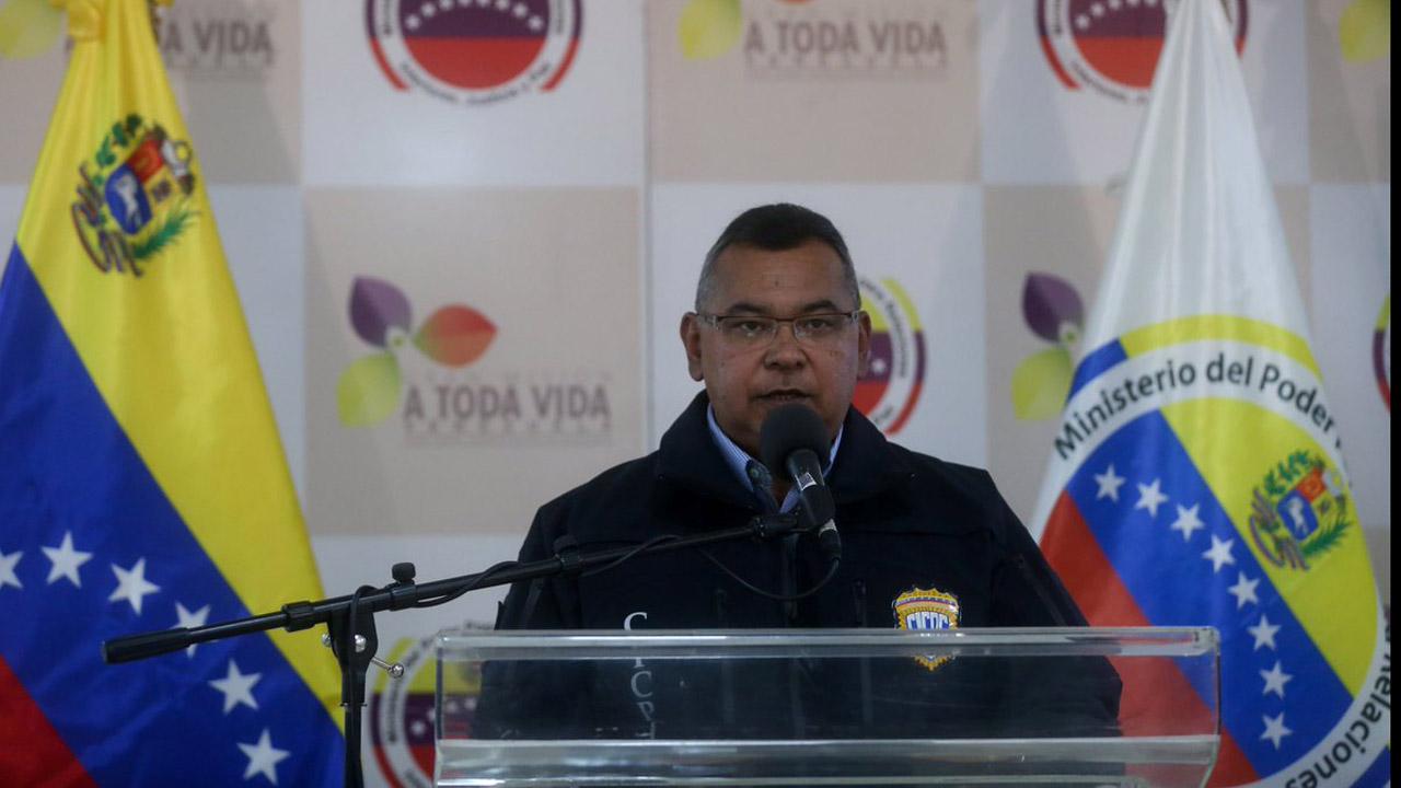El ministro de Interior, Justicia y Paz aseguró que las esferas metálicas estaban siendo disparadas por los manifestantes y no por la Guardia Nacional Bolivariana