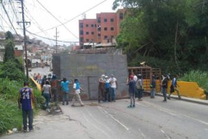 El concejal de Baruta, Luis Somaza denunció la situación que dejó un total de siete heridos durante las protestas