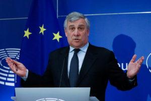 """""""Hay que encontrar una solución pacífica a esta crisis"""" aseguró Antonio Tajani desde Bruselas"""