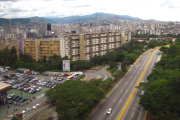 La Cota Mil, Plaza Venezuela y la Urdaneta fueron algunas vías bloqueadas ante las manifestaciones de este miércoles