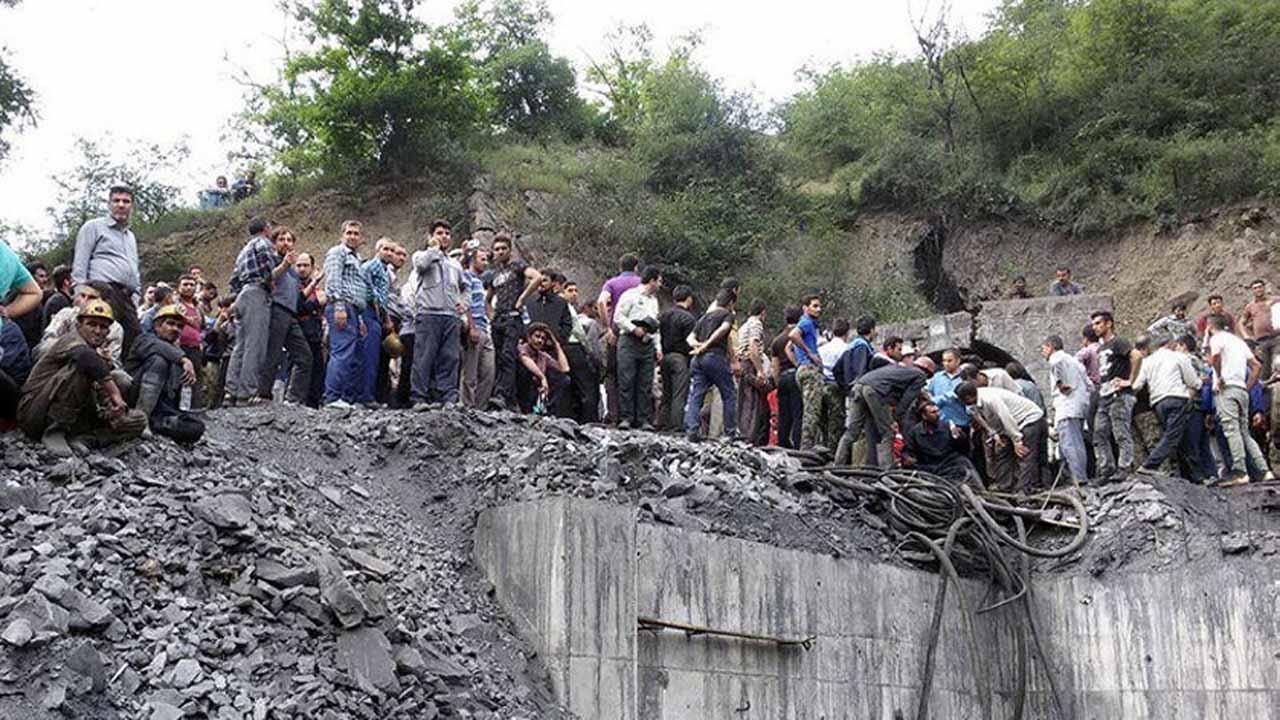 Los servicios de emergencias se movilizaron para iniciar las labores de rescate y ya algunos mineros fueron puestos a salvo