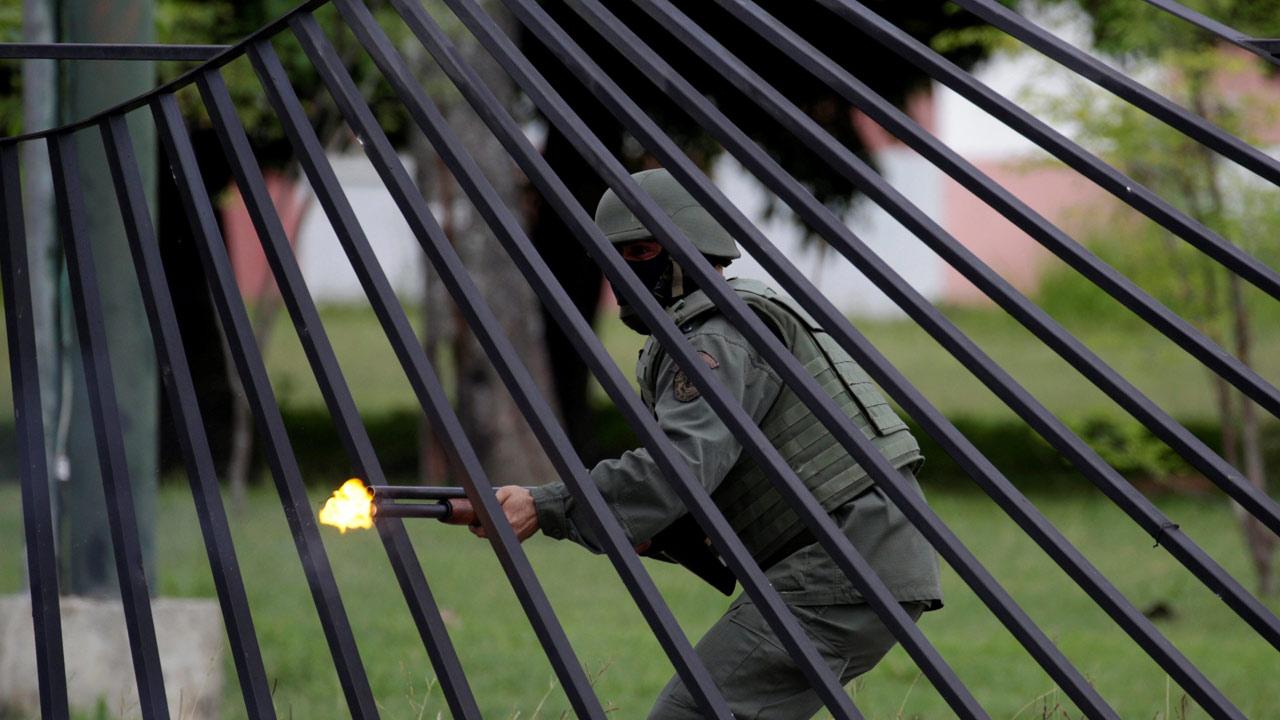 Usuarios de la red social twittter reportero el hecho que derivó como parte de la fuerte represión de parte de la GNB