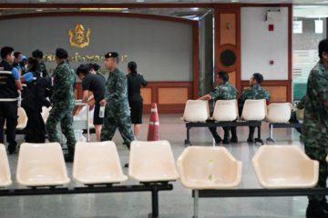 El objeto explosivo detonó en el hospital militar Rey Mongkut de Bangkok. Se presume que la mitad de los heridos sean militares