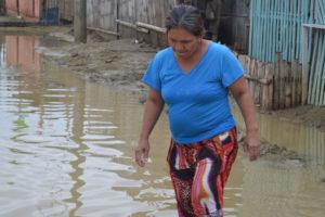 Las fuertes precipitaciones afectaron gravemente a familias residentes del barrio La Cabrera ubicado en la carretera vieja Charallave Ocumare
