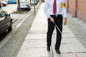 Un grupo de estudiantes creo el pospositivo que ayuda a las personas con discapacidad visual a encontrar objetos a distancia