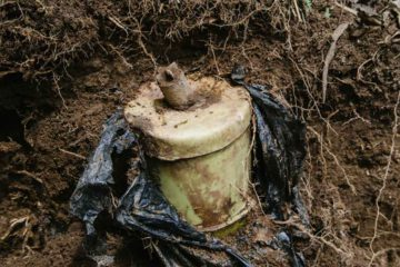 Bakhtiar Haddad y Stephane Villeneuve murieron fallecieron a causa de la detonacion de una mina