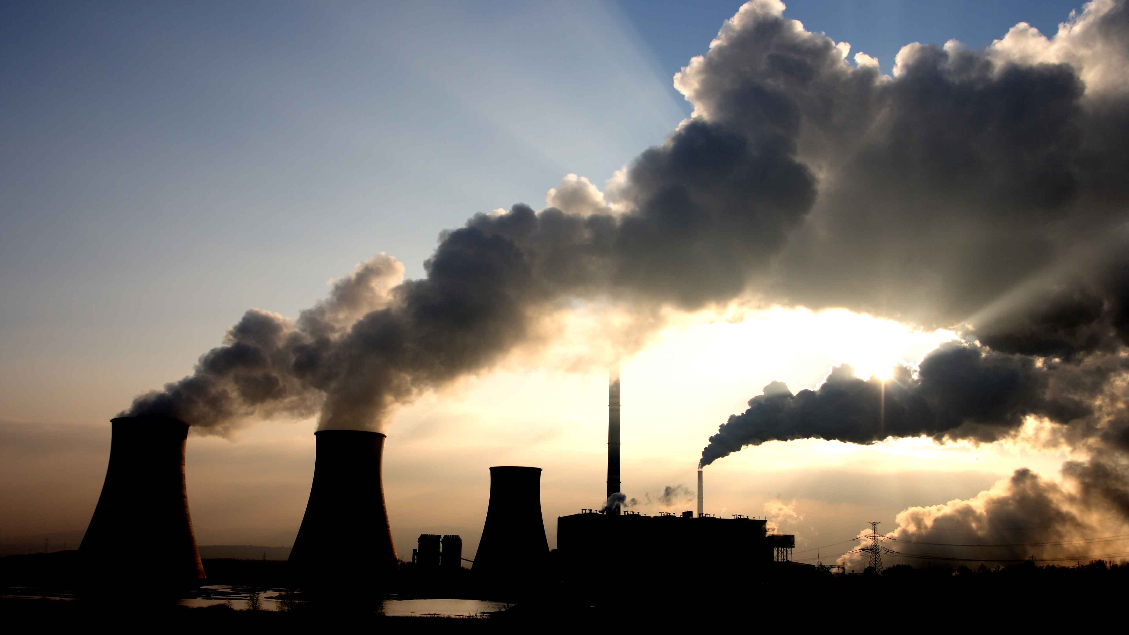 Los problemas ambientales tradicionales, lamentablemente, depende en su mayoría de compañías que realizan actividades contaminantes de forma despreocupada