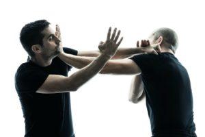 El pre-emptive sirve para solucionar el conflicto de manera física, rápida y contundente