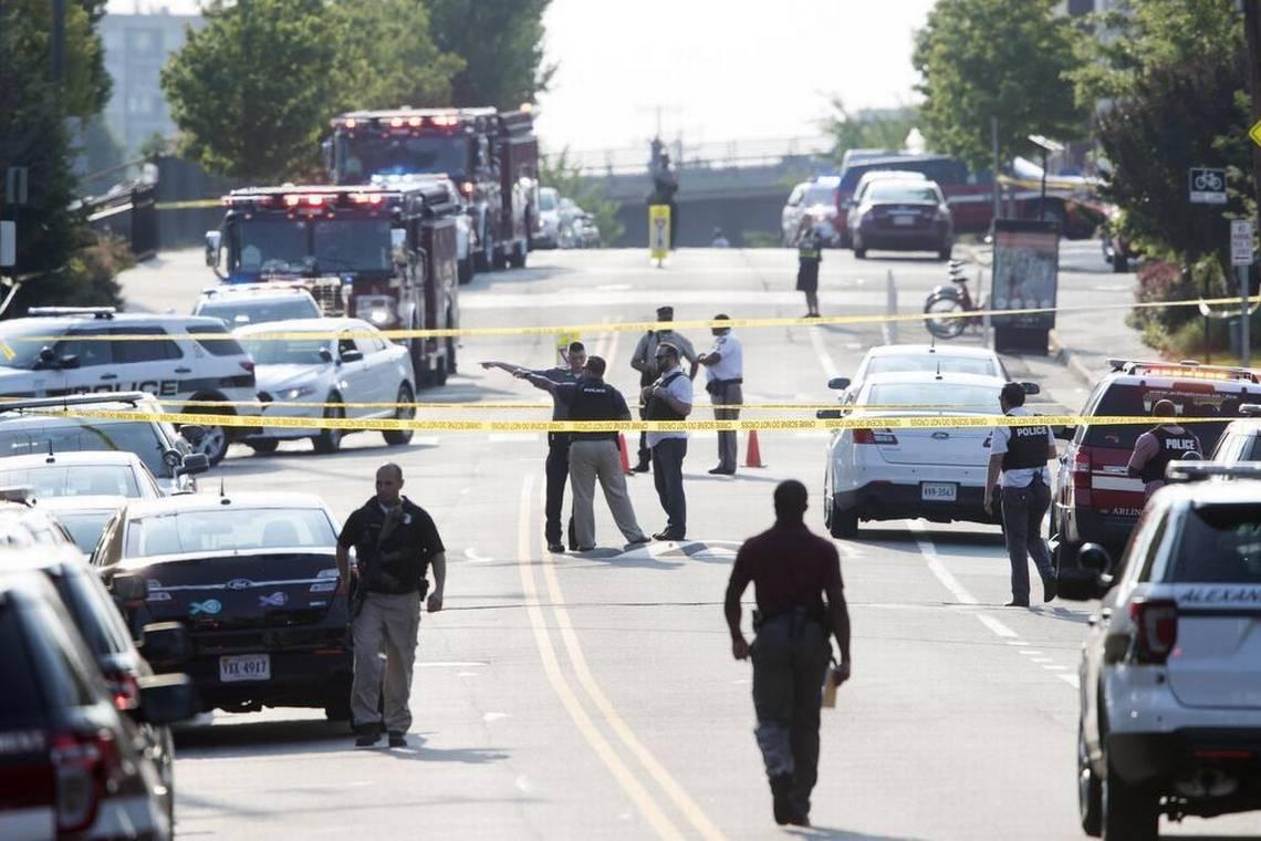 Un estudiante y su amigo fallecieron luego de que un sujeto inició una balacera en el campus
