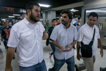 """Los diputados de la Asamblea Nacional llevan a cabo la actividad """"conciencia metro a metro"""" convocada por la MUD"""