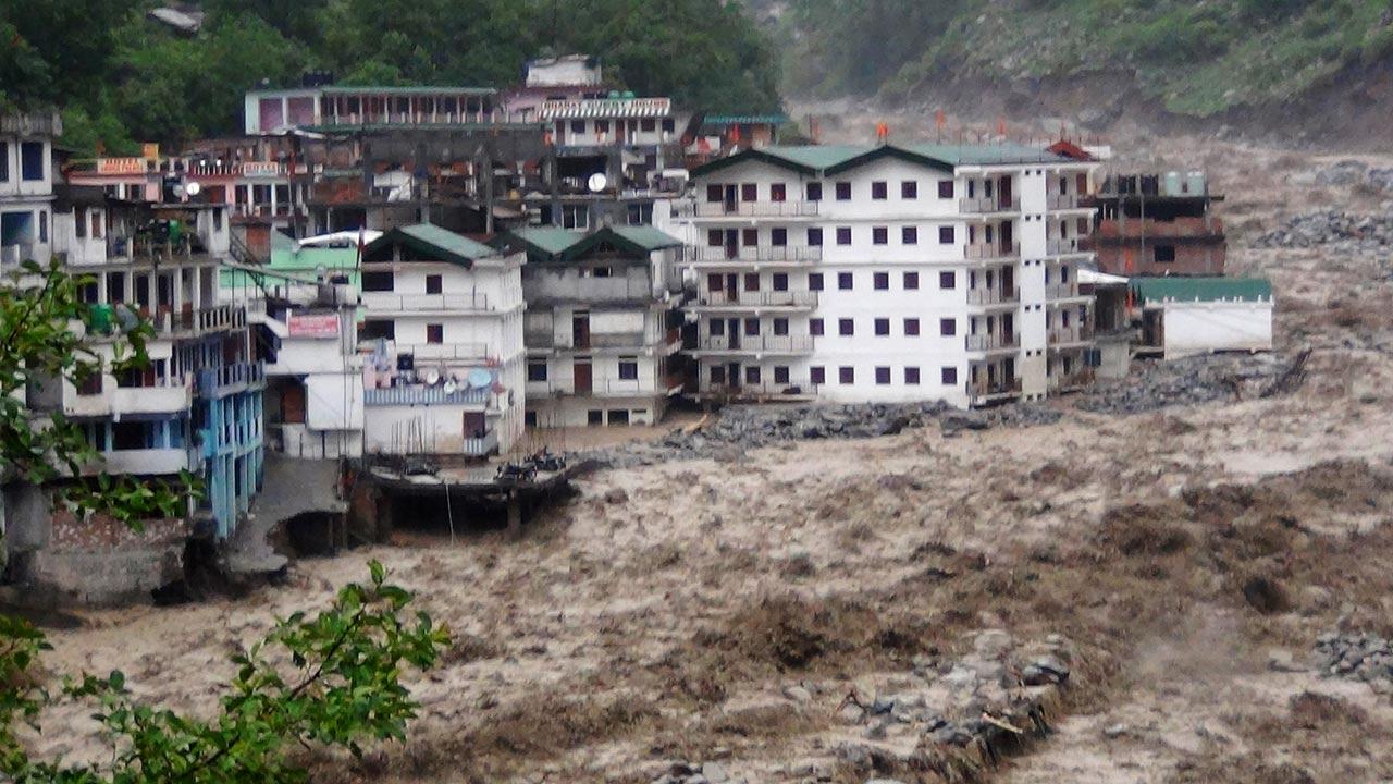 El desprendimiento ocurrió en la provincia de Sichuan, China dejando sepultada una aldea entera