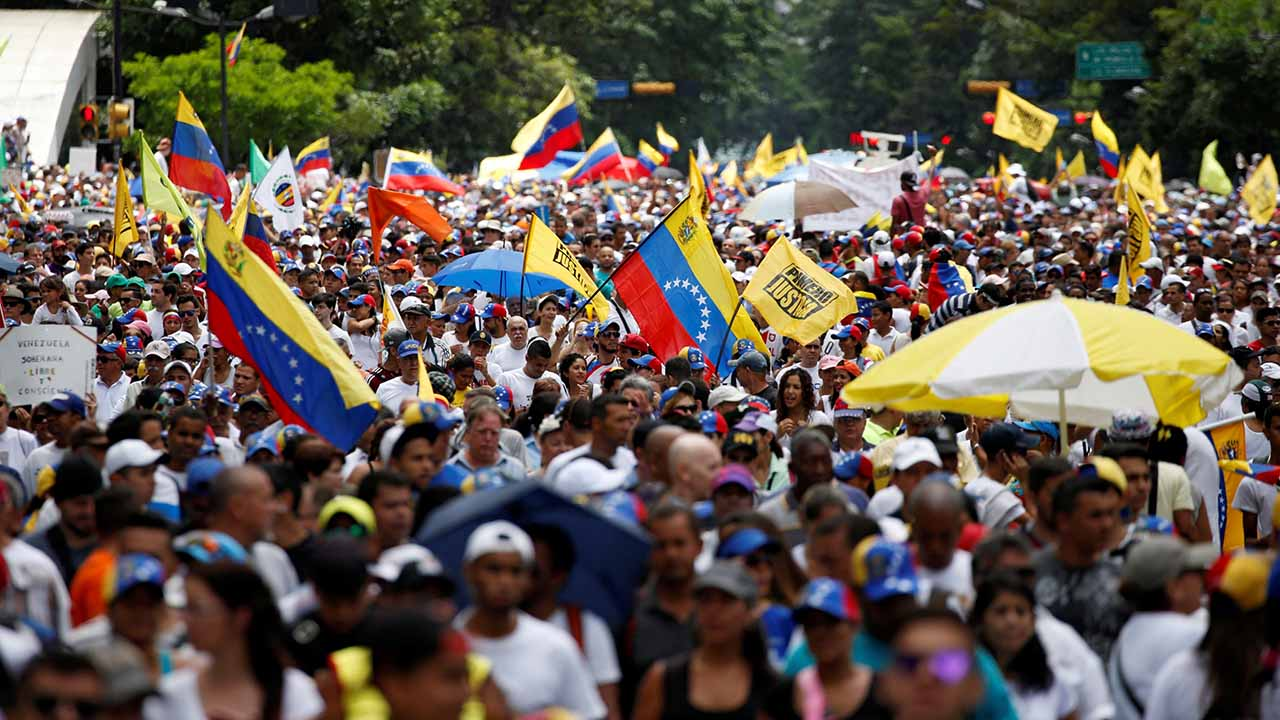 La movilización fue convocada por el presidente encargado de Venezuela Juan Guaidó en su cuenta en la red social Twitter