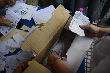 Con el 95 % de las actas escrutadas, la Comisión de Garantes, encabezada por Cecilia García Arocha anunció los resultados detalladamente