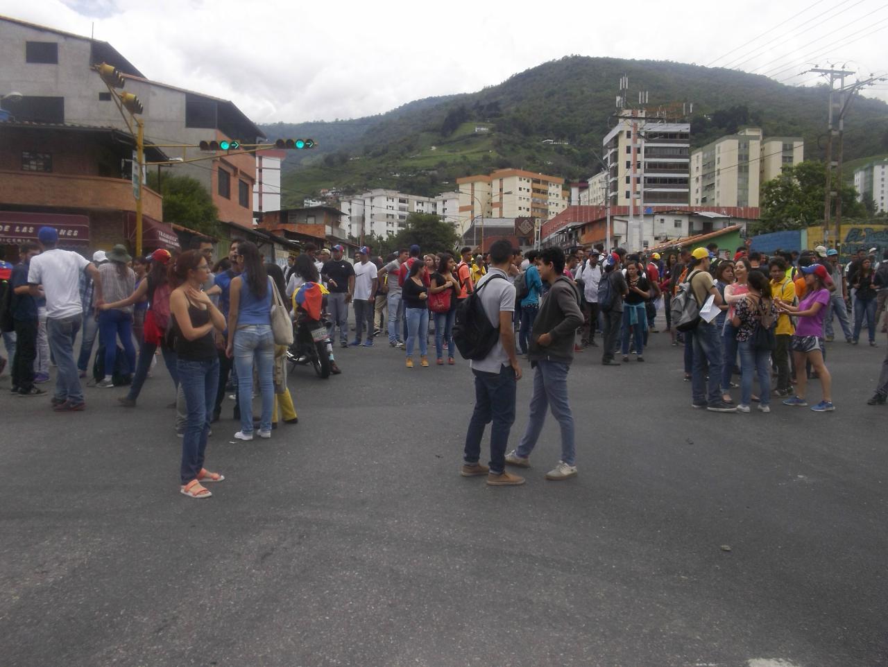 El diputado de la AN Carlos Paparoni denunció las muertes de dos manifestantes en el estado Mérida