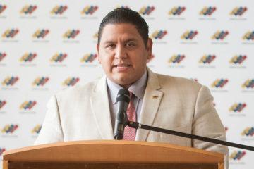 El rector del CNE rechazó varios de los anuncios que dictó Tibisay Lucena este viernes en una rueda de prense referente al proceso de la constituyente
