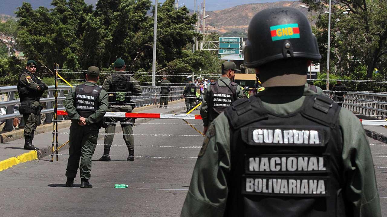 Hace un llamado al gobierno de Juan Manuel Santos ante la activación de lucha contra bandas paramilitares que tanto daño le hacen al pueblo venezolano