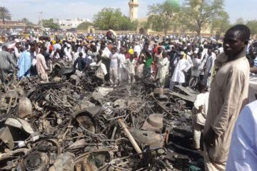 Fuentes locales aseguran que el ataque fue perpetrado por una mujer que se hizo explotar en la entrada de una mezquita