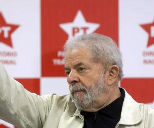 Pese a haber sido condenado a más de 9 años de prisión, el ex mandatario brasileño asegura que no lo han sacado del juego
