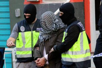 El Ministerio de Interior dio a conocer que el sospechoso de origen palestino enaltecía y apoyaba organizaciones terroristas a traves de Facebook