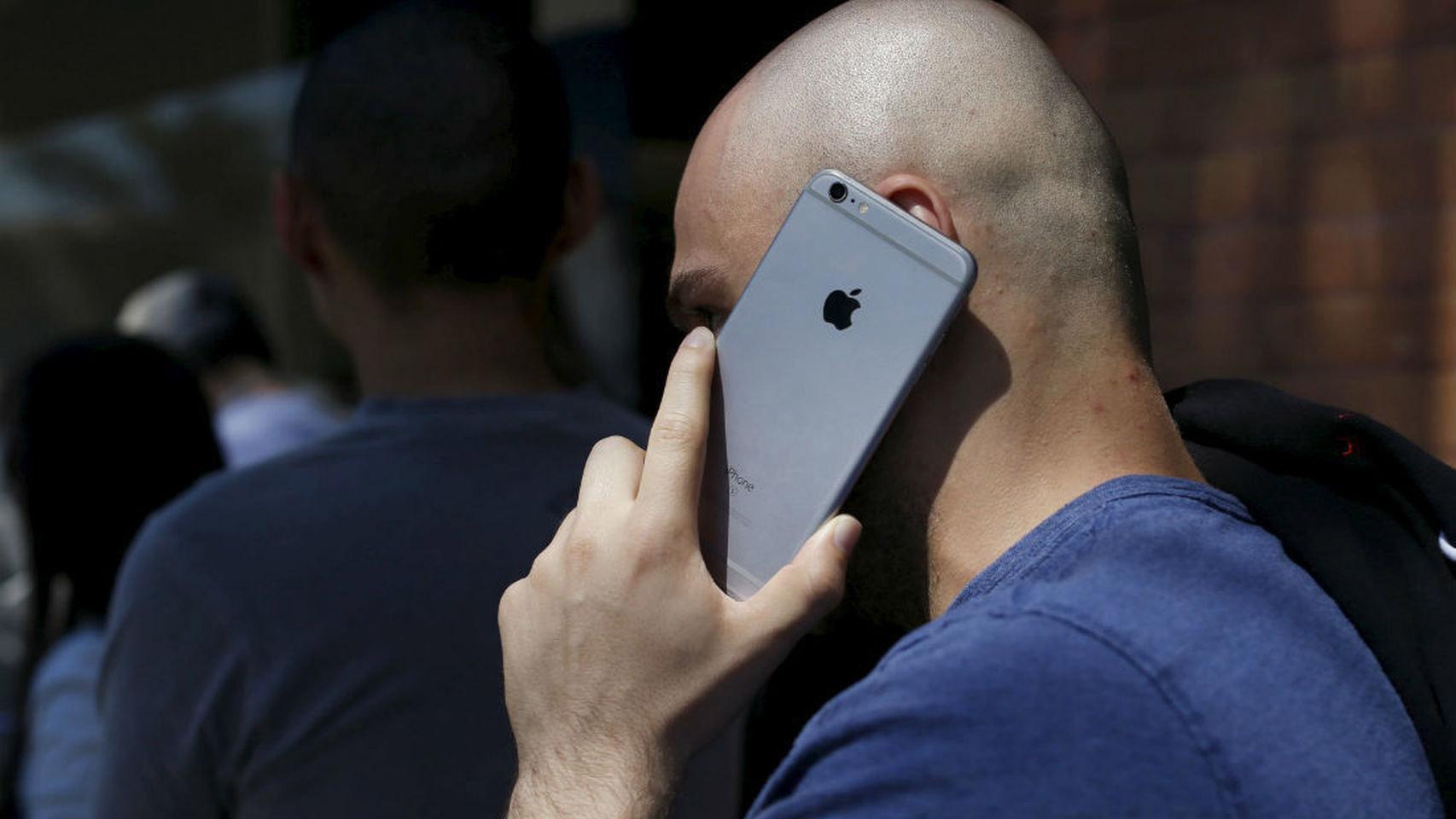 Con la nueva funcionalidad se podría saltar la autenticación de desbloqueo del teléfono para hacer la llamada de manera inmediata