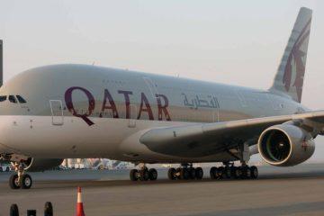 La medida se aplicará a todos los vuelos de la aerolínea que partan desde el aeropuerto internacional Hamad con destino a EEUU