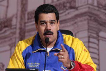 El Jefe de Estado realizó un acto de campaña este jueves, donde cuestionó el paro cívico nacional que convocó la MUD