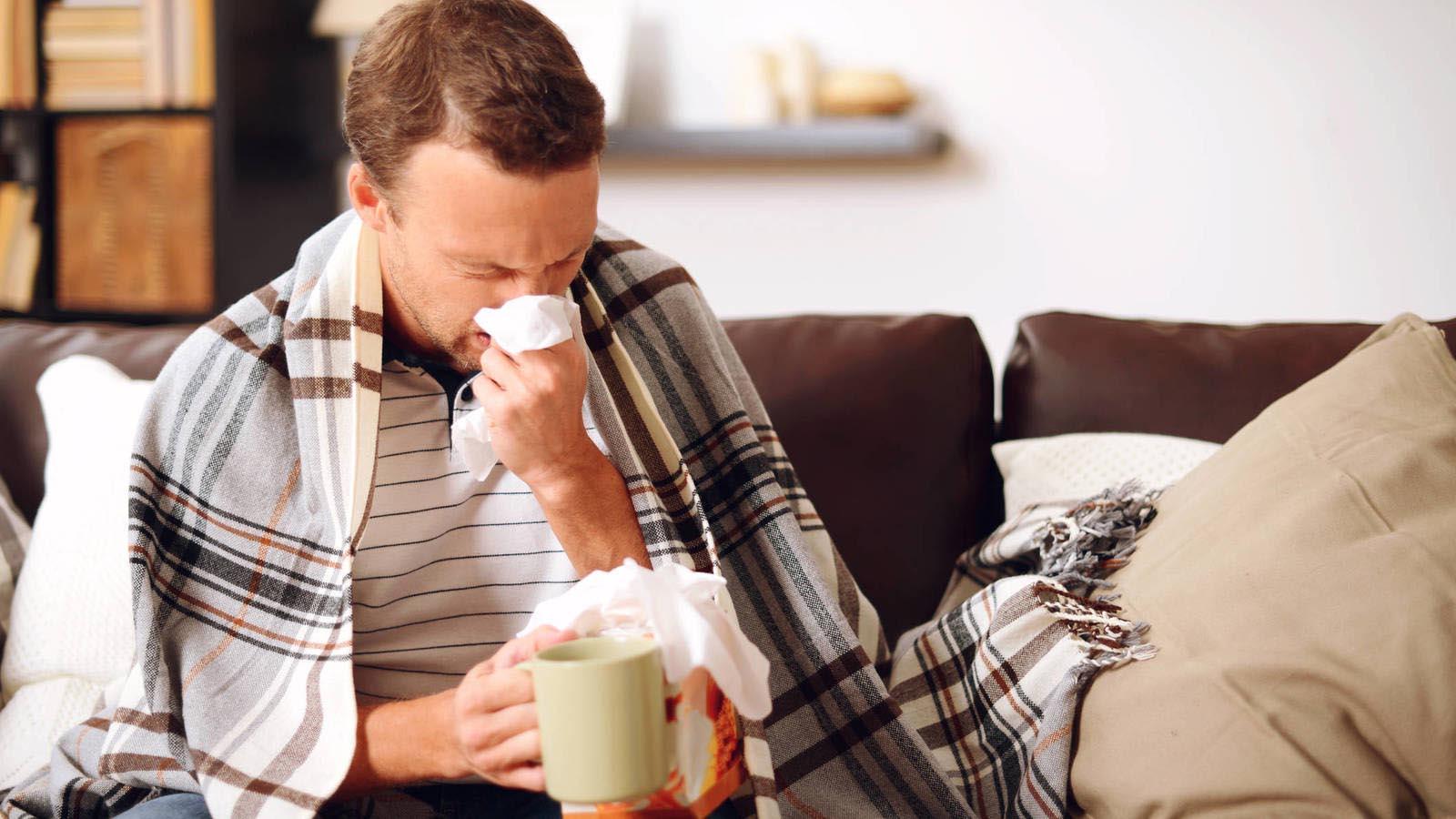 Debido a los constantes cambios de temperatura muchas personas tienden a desarrollar gripe sin darse cuenta, aquí algunos consejos para evitarla