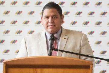El Rector del Consejo Nacional Electoral, Luis Emilio Rondón afirmó que se debe respetar el ejercicio al voto