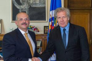 El abogado venezolano, Alejandro Rebolledo, habló sobre la situación del país con el Secretario General de la OEA
