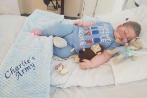 El pequeño padecía una rara enfermedad denominada síndrome de depleción del ADN mitocondrial