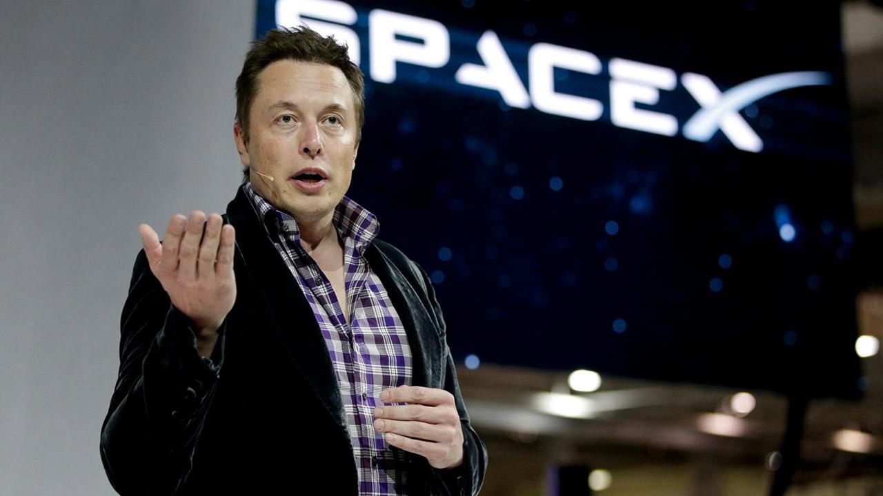 El magnate y empresario Elon Musk colgó el clip a través de su cuenta en Twitter
