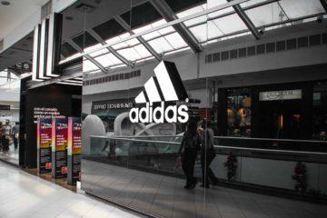La firma alemana quiere mantener viva la competencia con sus rivales destinando 800 millones de euros a programas de mercadeo