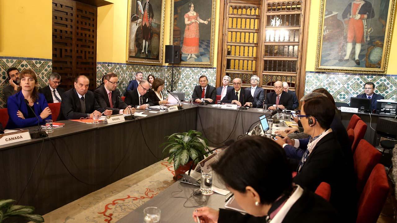 Tras la reunion celebrada en la capital peruana el grupo de ministros condenaron el orden la de ruptura democratica en Venezuela