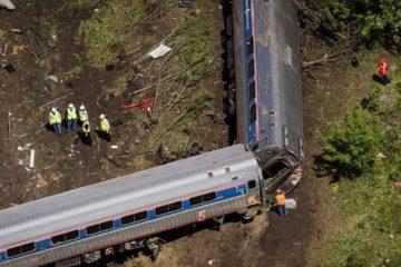 Un tren que viajaba a una velocidad alta impacto con otro estacionado en la Terminal de la Calle 69 ubicada en un pueblo de la localidad estadounidense