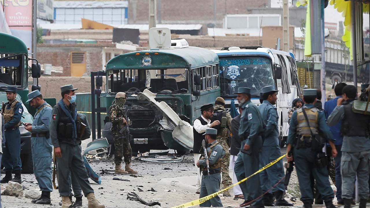 Al menos 20 personas murieron y otras 40 resultaron heridas tras el ataque de un grupo de hombres armados