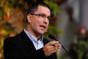 La Cancilleria emitio una misiva calificando de injerencista el pronunciamiento del mandatario frances sobre el mandato de Maduro