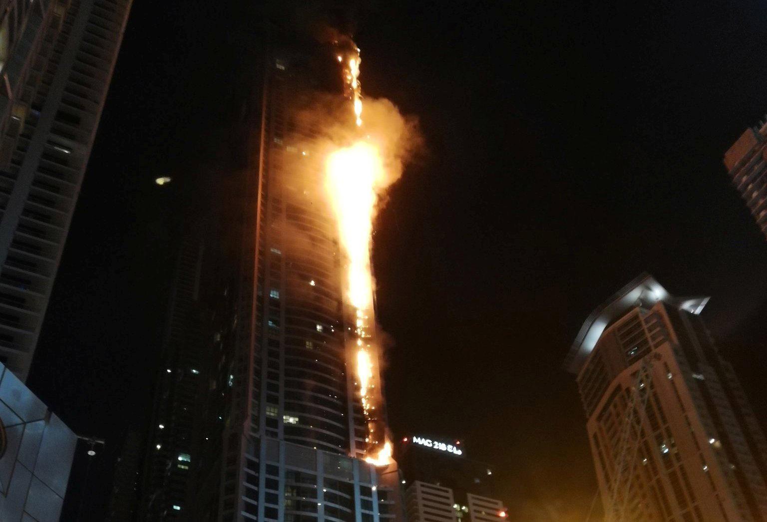 El siniestro que afecto al menos 40 pisos de la estructura no registro fallecidos o heridos