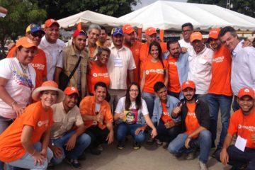 Un grupo de jovenes se encuentran promoviendo la participacion ciudadana de cara a las primarias de la MUD el proximo 10 de septiembre