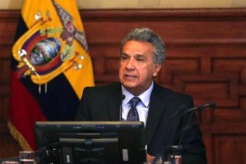 Mediante los decretos ejecutivos 122 y 125 el mandatario ecuatoriano concluyo las funciones de Rafael Quintero y Alex Solano