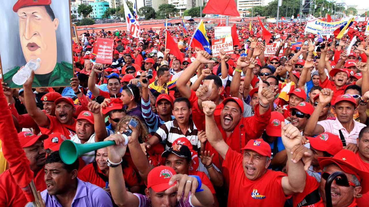 La movilización fue convocada por el mandatario Nicolás Maduro a través de su cuenta en la red social Twitter
