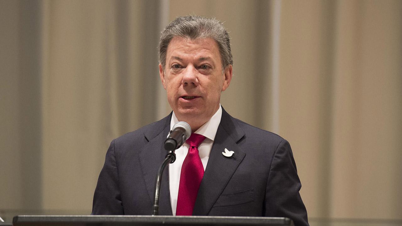 El mandatario desconoció los resultados de las elecciones regionales que ofreció el CNE