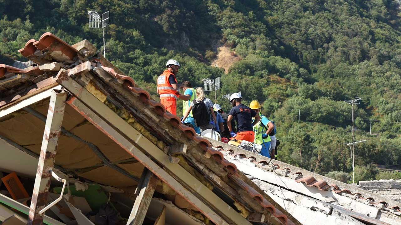 El movimiento se registro en la isla de Ischia y al menos 40 personas resultaron heridas