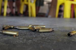 Los delincuentes lo bajaron de la camioneta, lo asaltaron, le dieron siete tiros en el pecho y lo dejaron tendido en una canal a un costado de la vía