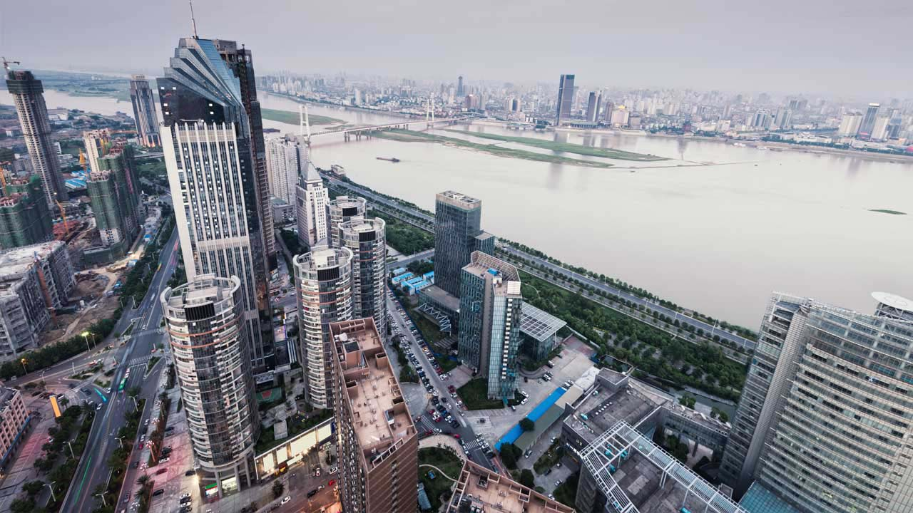 A través de un comunicado, Pekín informó que inversiones en hotelería, inmuebles y entretenimiento deben ser restringidas
