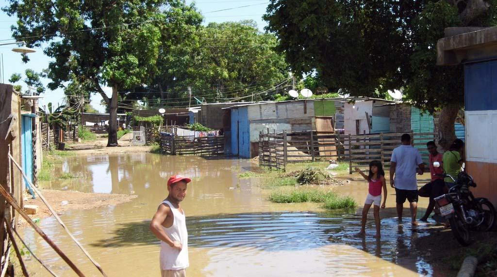 Al menos 120 viviendas se reportan como inundadas y 143 familias ha sufrido las consecuencias de las fuertes lluvias registradas en la entidad