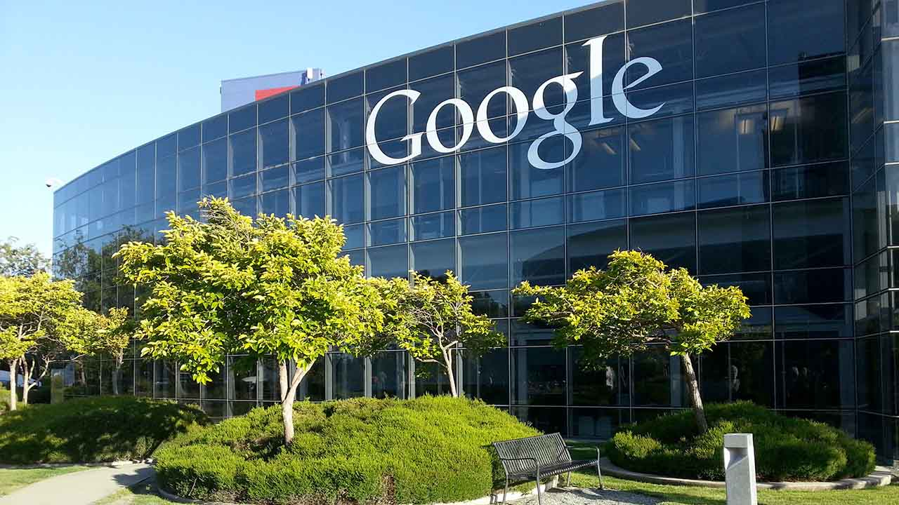 El empleado difundió el escrito que provocó un intenso debate entre los trabajadores, por lo que el director ejecutivo de Google tuvo que intervenir