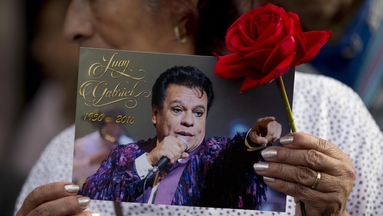En la actualidad, el documento está siendo impugnado por Joao Aguilera Rosales, de 24 años, cuya existencia se conoció después de la muerte del cantante